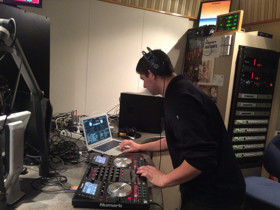 Student+Radio+Time%3A+Week+4+DJB